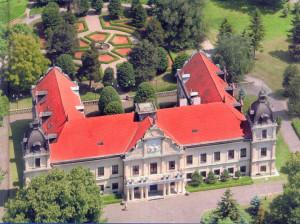 """Beáta Kereštanová nás previedla svojou pracovnou cestou až k """"panovaniu"""" v Andrássyho kaštieľi, priblížila význam múzea v meste a pozvala na tradičnú zabíjačku"""