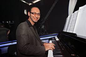 Žiaci ZUŠ sa predvedú s klavírnym virtuózom RIKONNOM